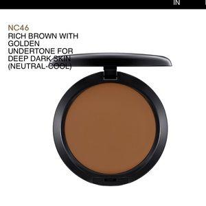 UNTOUCHED Mac Studio Fix powder+foundation in NC46